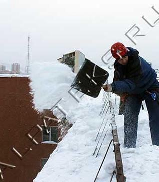 Чистка крыши от снега в кирове