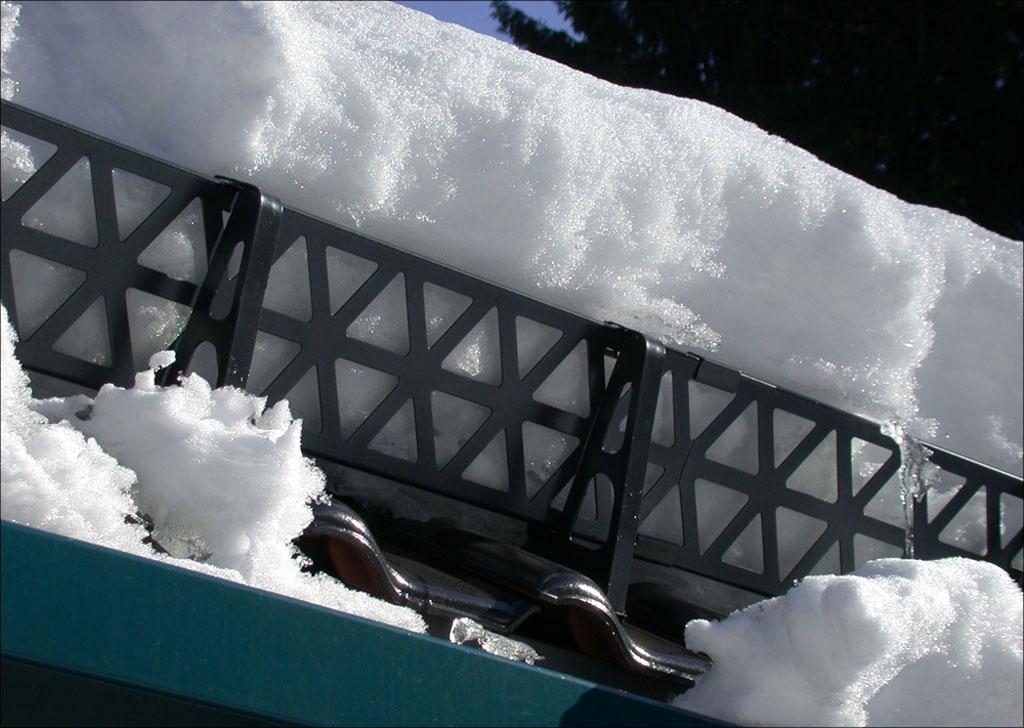 Лопаты для уборки снега с крыши